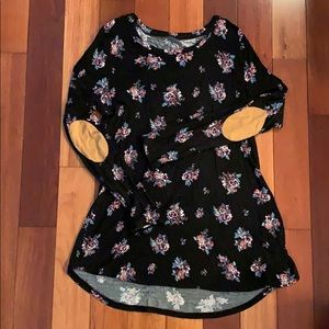 Maurices Womens Black Floral Top Large